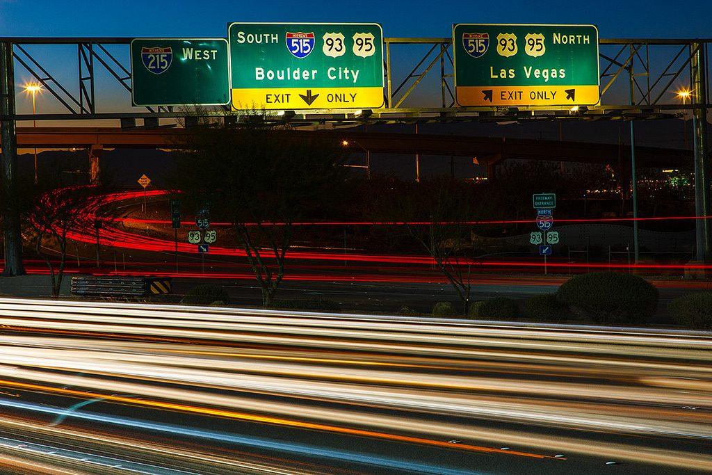高速道路 路線番号標識