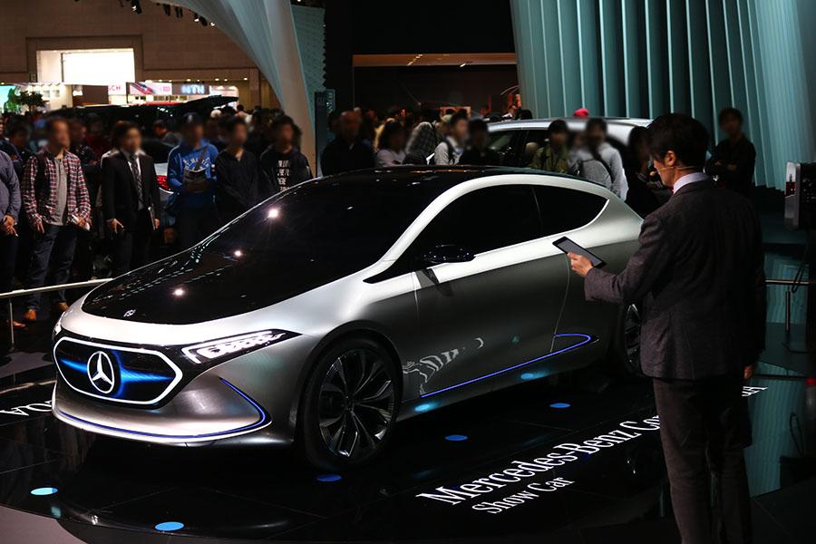 東京モーターショー2017 メルセデスベンツ コンセプトEQA