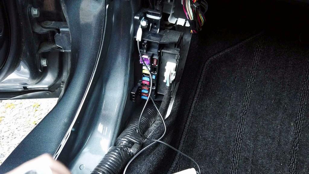 ドライブレコーダーをヒューズボックス電源へ取り付け